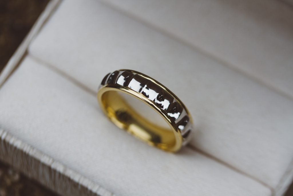 two tone convex ring
