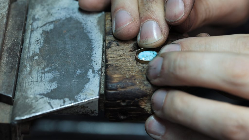 Shaping a bezel by hand