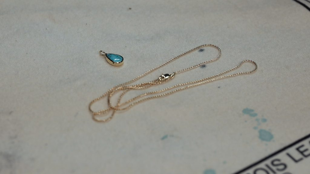 completed bezel pendant with wheat chain